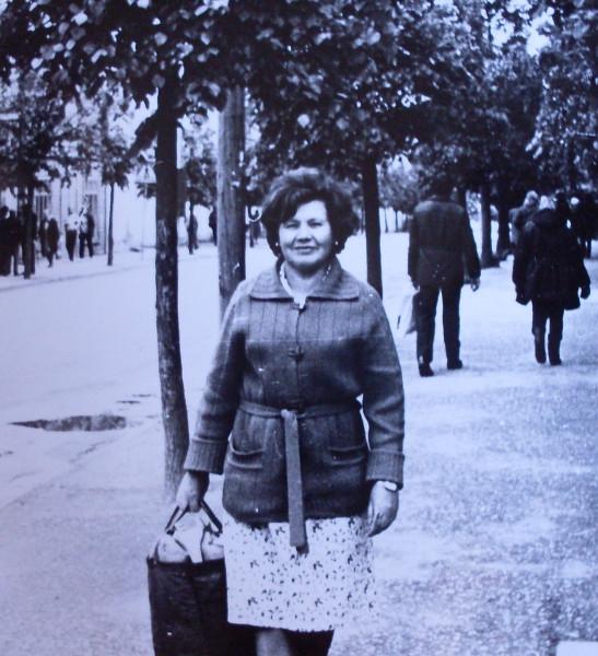Д.Х.Газизова в Выру около 1982