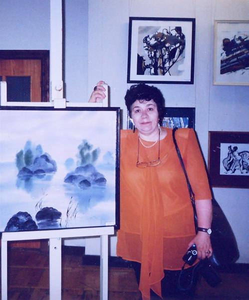 Т.И.Беспалова на выставке в СПб 2001 год