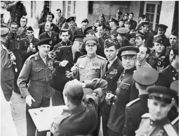 Награждение Монтгомери. Франкфурт июнь 1945