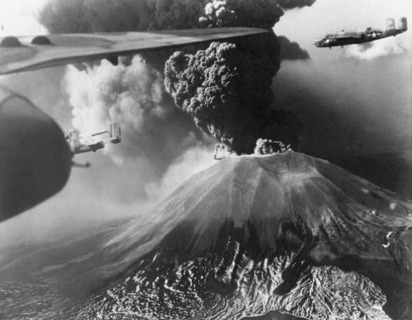 Вулкан Везувий 1944