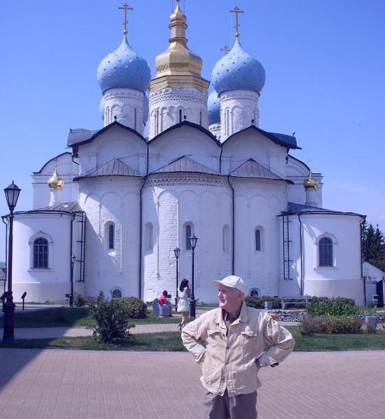 У Благовещенского собора. Казанский кремль. 2014 год