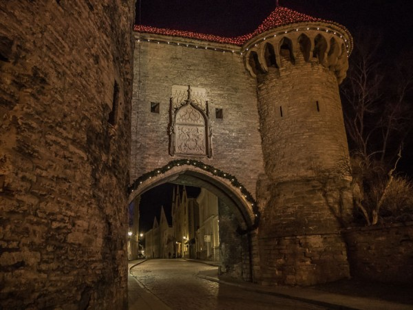 travelling-back-in-time-15-pictures-of-medieval-tallinn-12__880