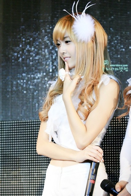 jessica hair feather