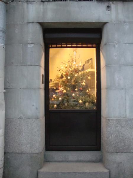 Новый год за стеклом