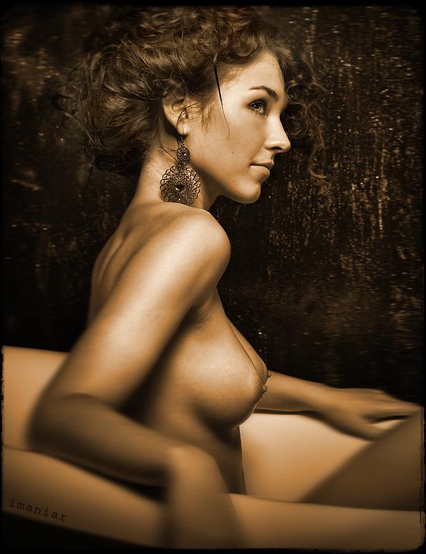 girl in bath 0085.jpg
