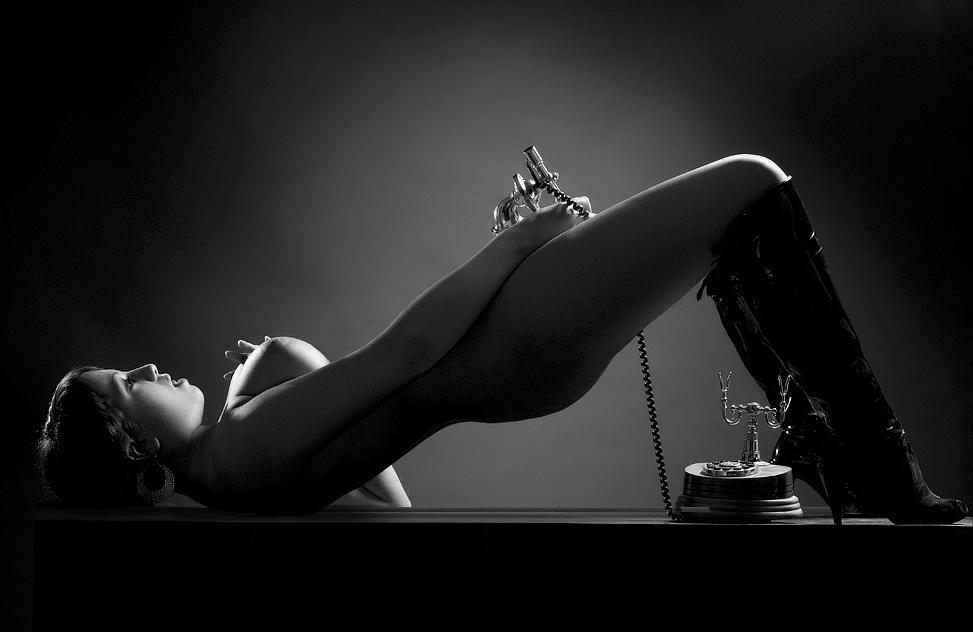 эротические фантазии по телефону кэтвуман чёрная