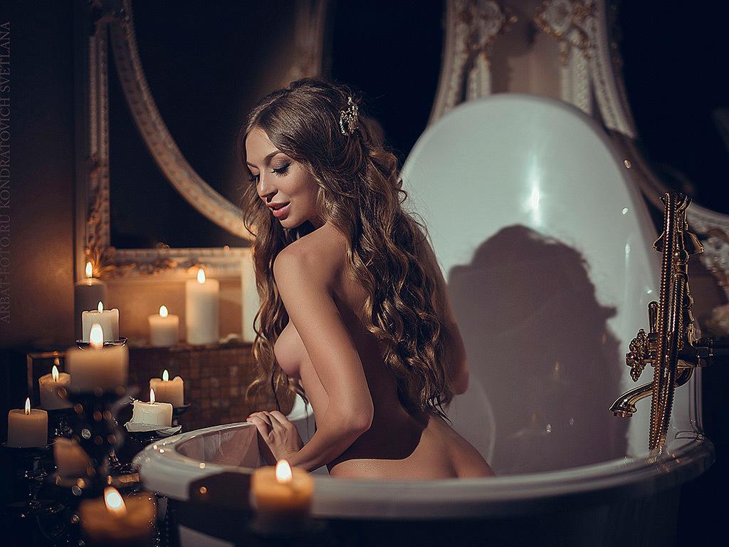 girl in bath 0117.jpg