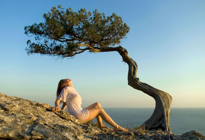 gadinagod_girls_naked_tree_25