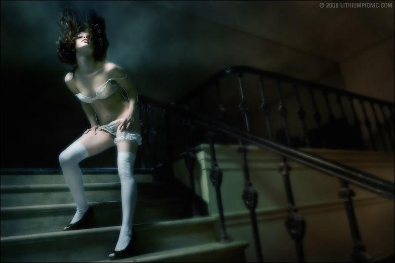 gadinagod-girls-naked-stairway-19