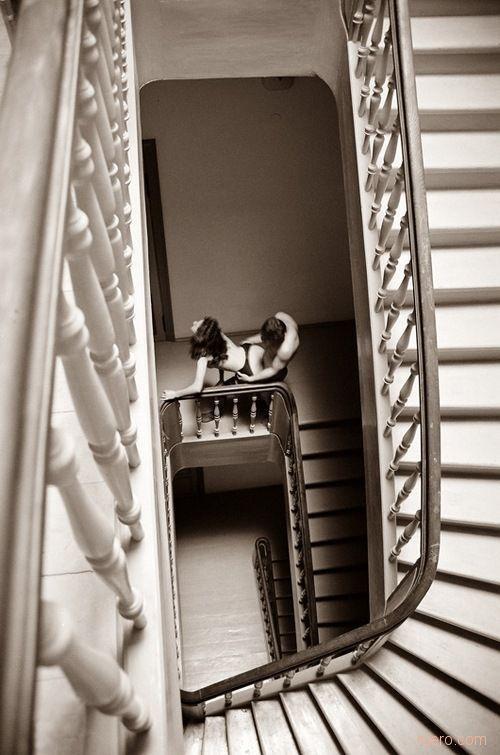 gadinagod-girls-naked-stairway-20