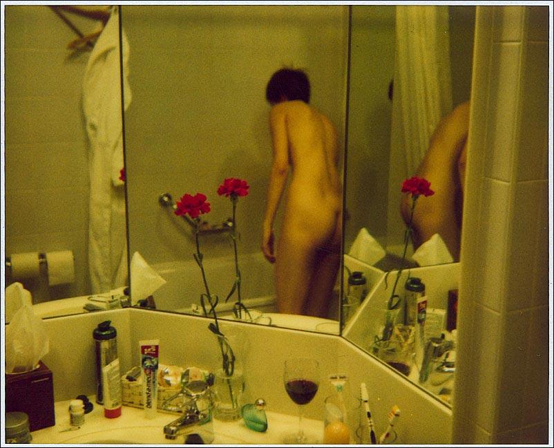 girl in bath 0166.jpg