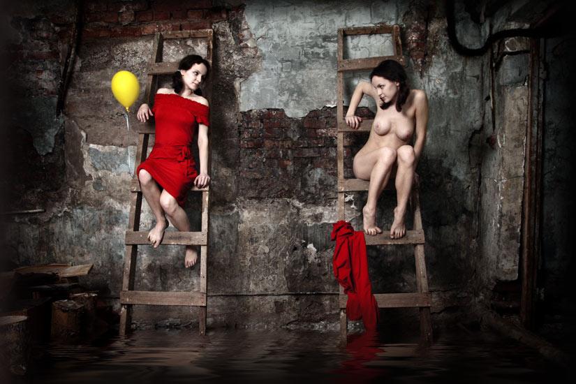 gadinagod-girls-naked-stairway-35