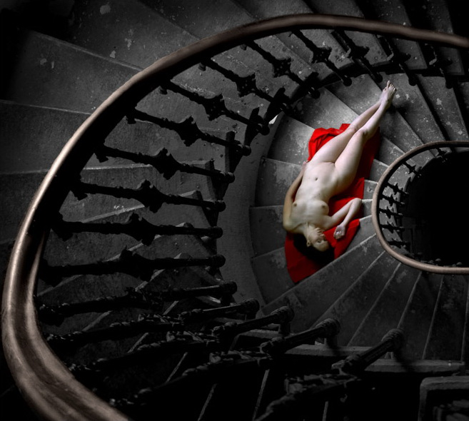 gadinagod-girls-naked-stairway-38