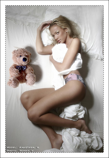 gadinagod_girls_naked_teddy_bear_05