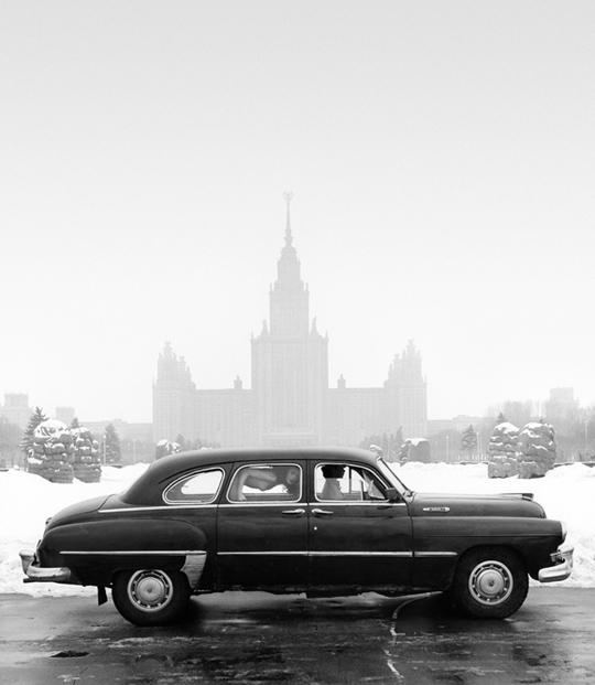 gadinagod_girls_naked_car_10