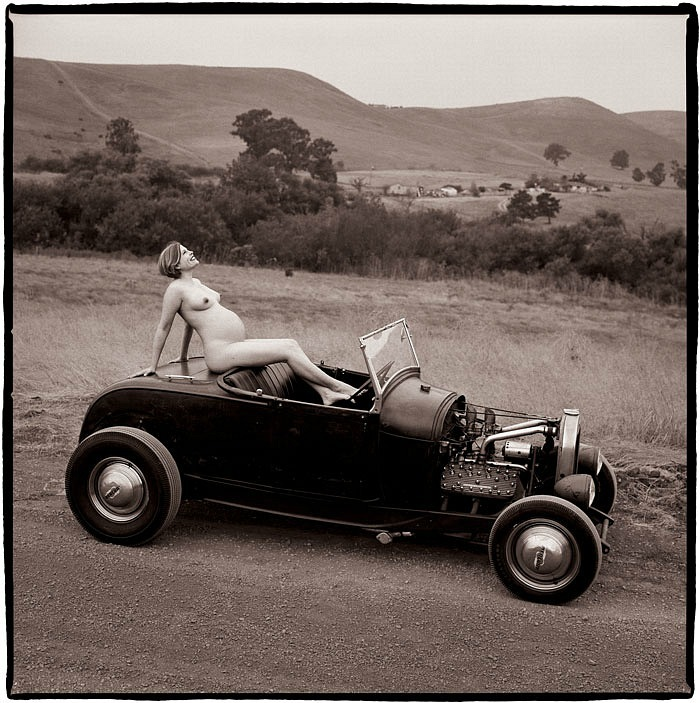 gadinagod_girls_naked_car_13