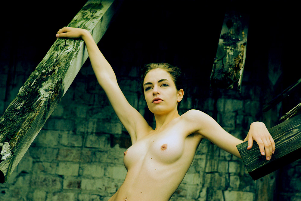 gadinagod_girls_naked_armpit_03