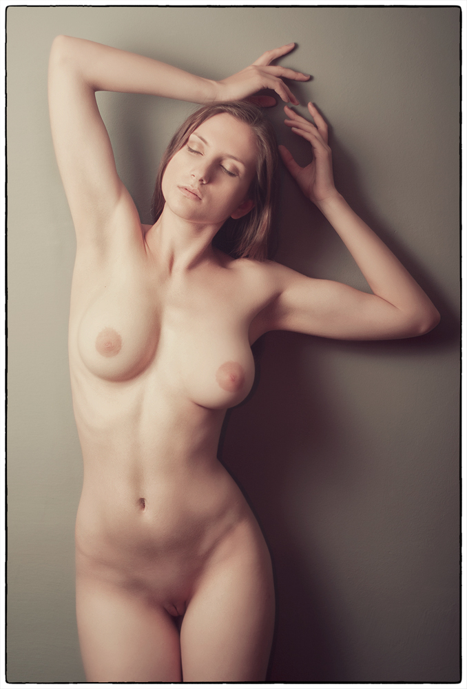 gadinagod_girls_naked_armpit_08