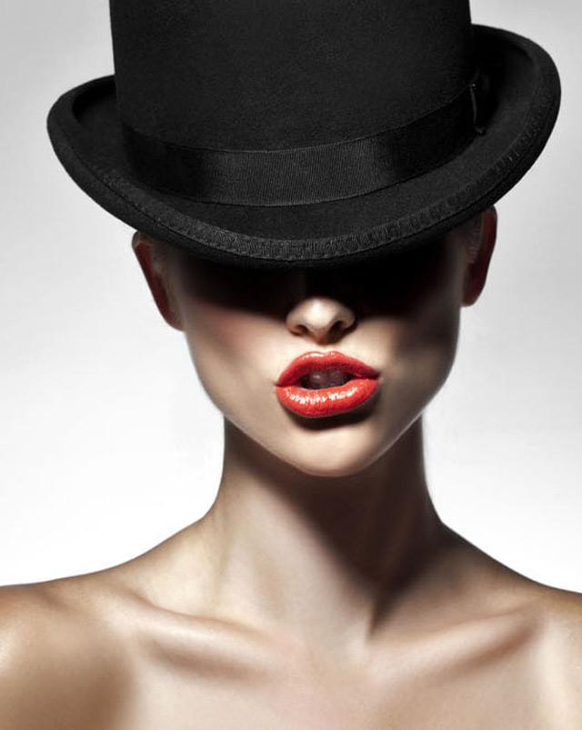 gadinagod_girls_naked_hat_25