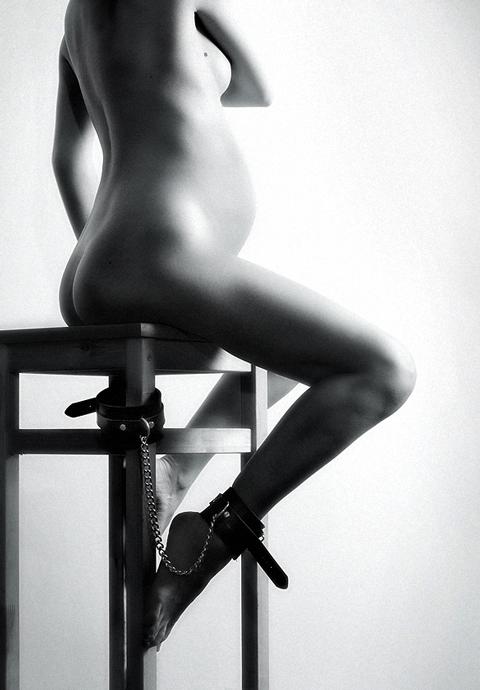 gadinagod_womans_naked_pregnancy_06