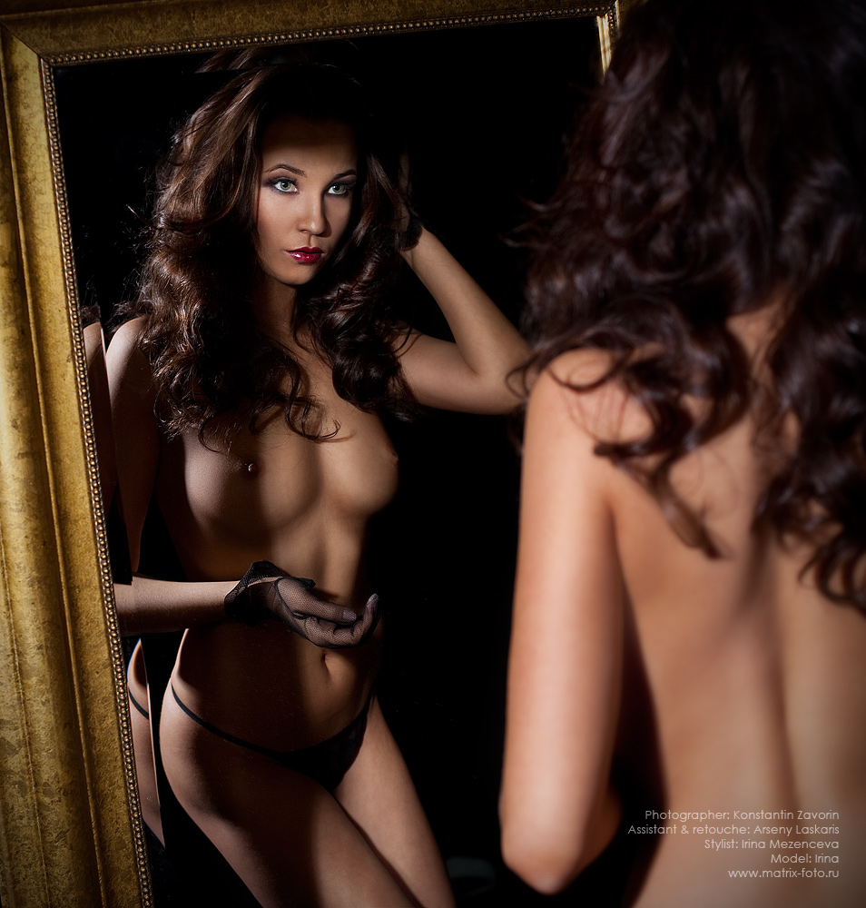 gadinagod_girls_naked_mirror_03