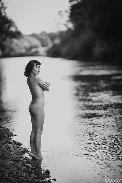 shore_naked_girl_pictures_02