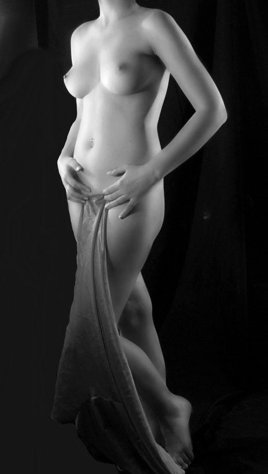 gadinagod_girls_naked_headless_07