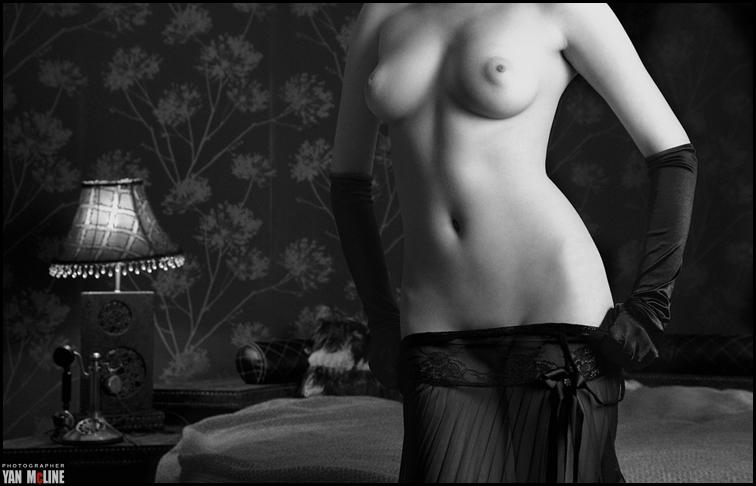 gadinagod_girls_naked_headless_17