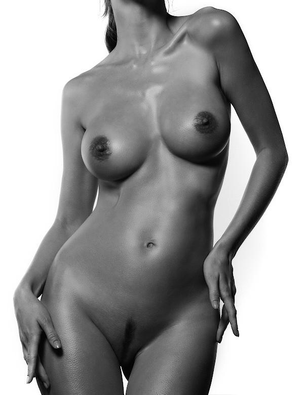 gadinagod_girls_naked_headless_19