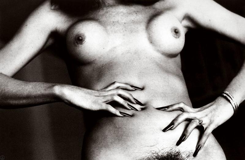 gadinagod_girls_naked_headless_22