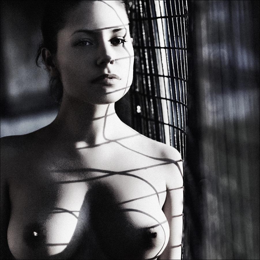 gadinagod_girls_naked_shadow_12