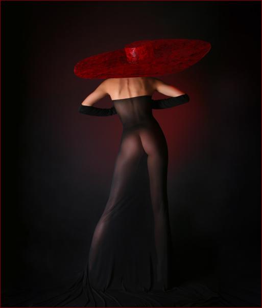 gadinagod_girls_naked_hat_12