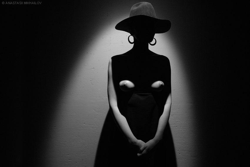 gadinagod_girls_naked_hat_14