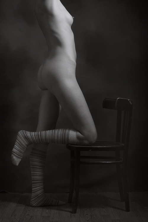 gadinagod_girls_naked_strips_08