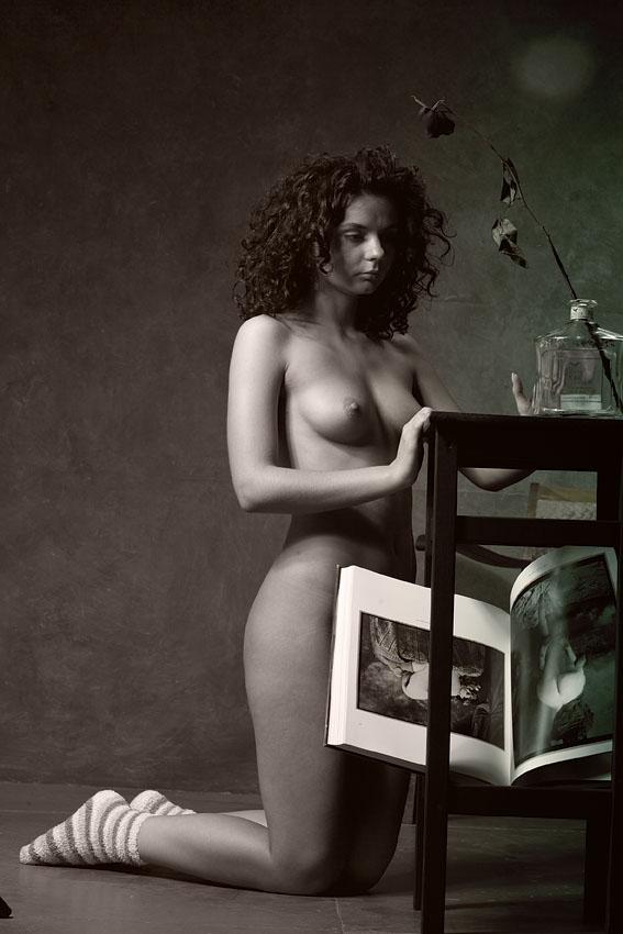 gadinagod_girls_naked_on_the_lap_08
