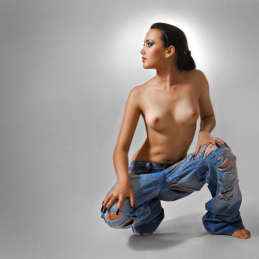 gadinagod_girls_naked_jeans_13