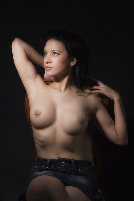gadinagod_girls_naked_jeans_23