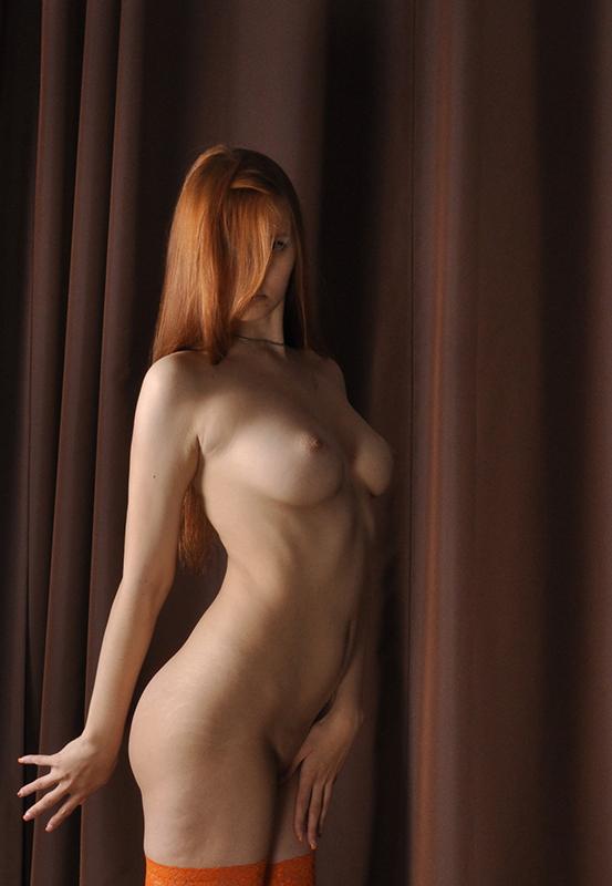 gadinagod_girls_naked_red_12