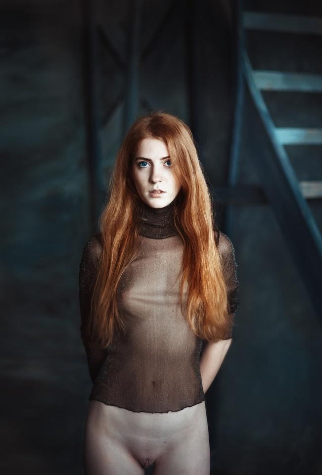 gadinagod_girls_naked_red_16