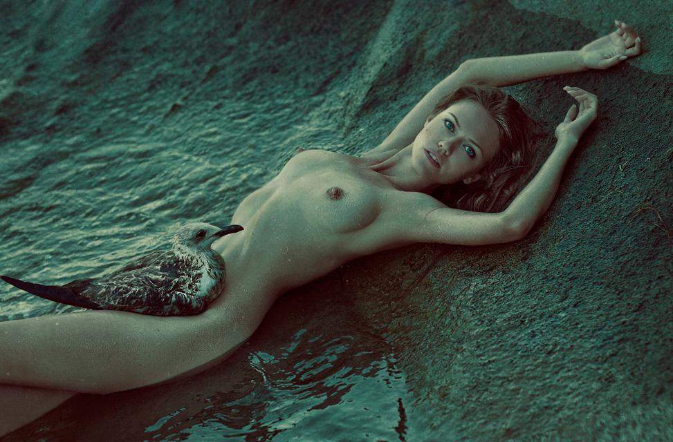 gadinagod_girls_naked_birds_15