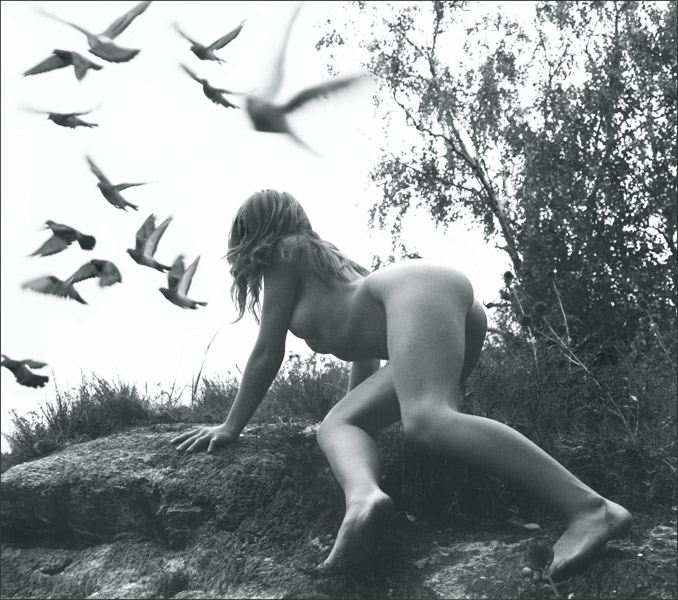 gadinagod_girls_naked_birds_23