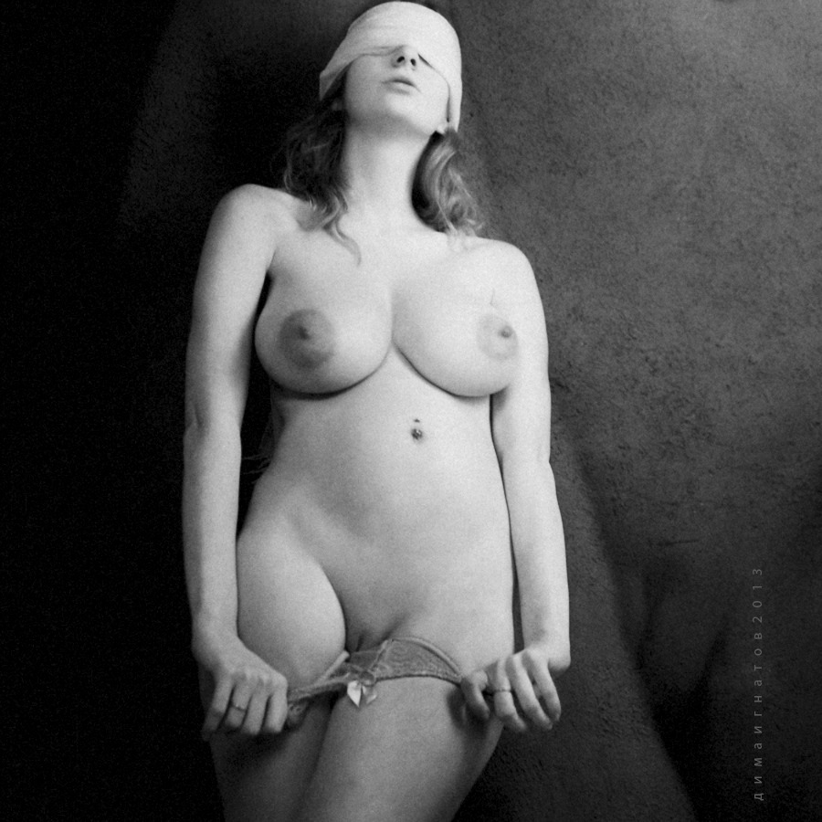 gadinagod_girls_naked_panties_20