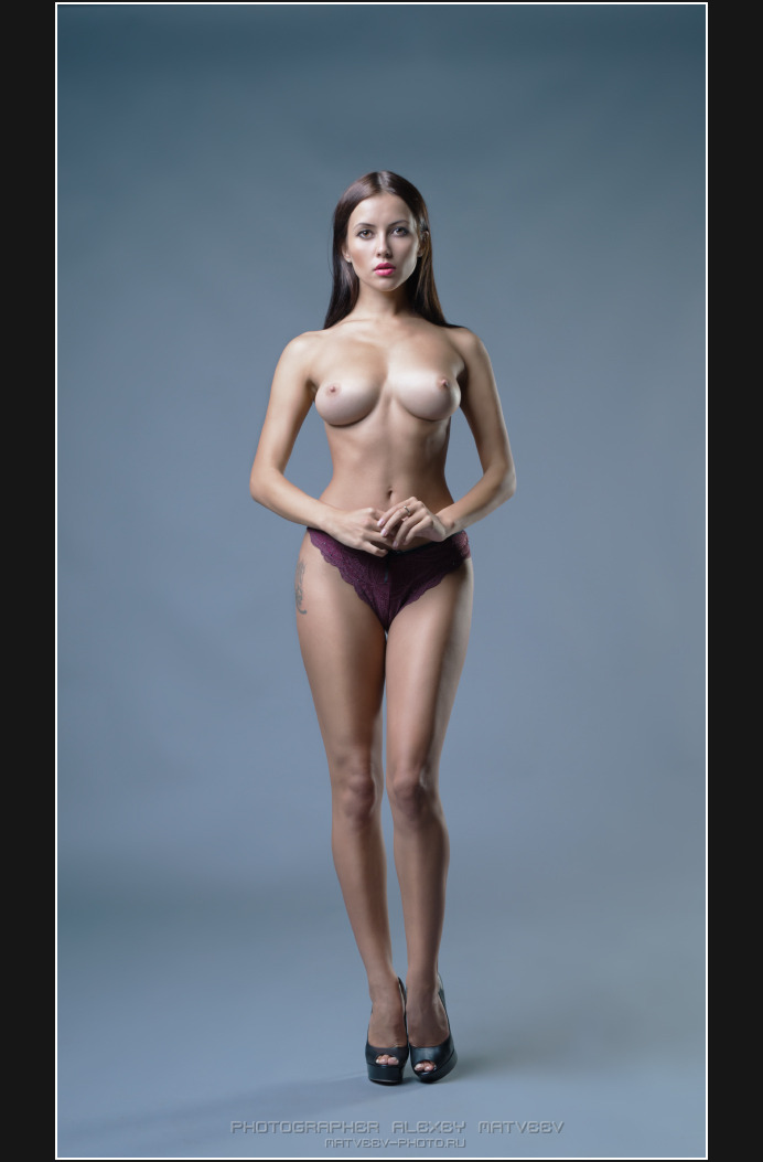 gadinagod_girls_naked_panties_21