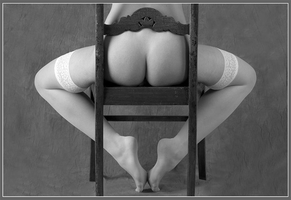 gadinagod_girls_naked_stockings_05
