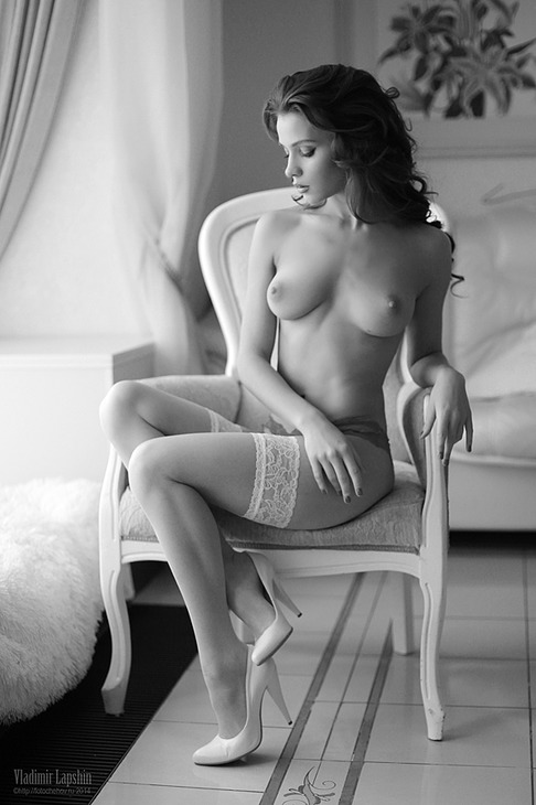 gadinagod_girls_naked_stockings_06
