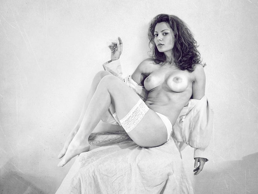 gadinagod_girls_naked_stockings_16
