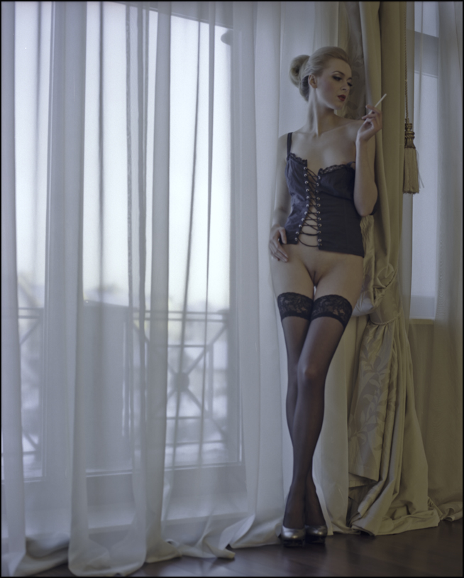 gadinagod_girls_naked_stockings_22