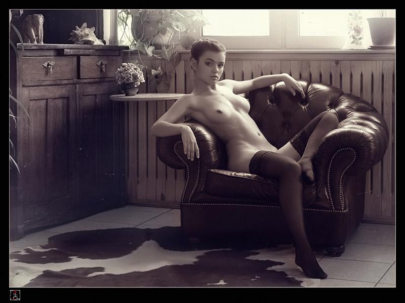 gadinagod_girls_naked_stockings_23