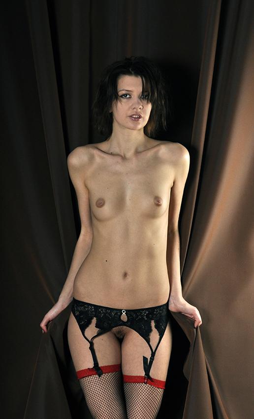 gadinagod_girls_naked_stocking_belt_09