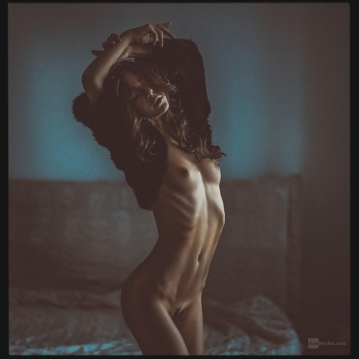 gadinagod_girls_naked_fur_07